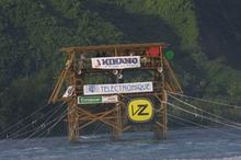 Tahiti tower photo 2 2002.JPG